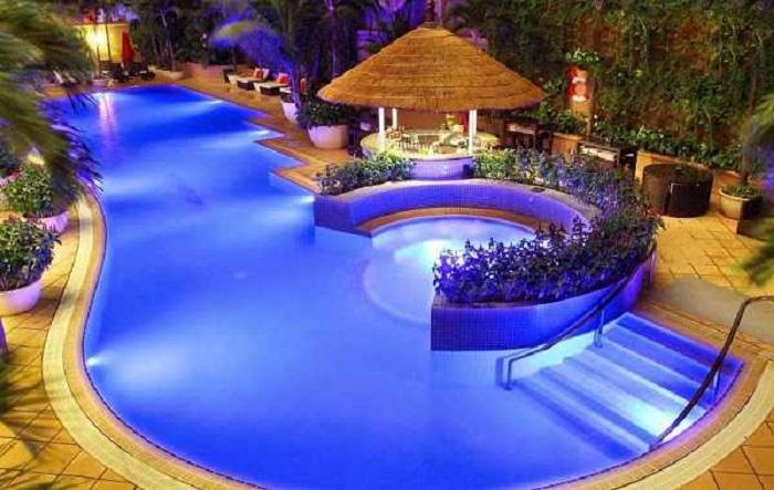 Mẫu hồ bơi cho không gian gia đình trong khu biệt thự