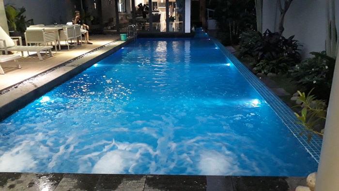 Mẫu hồ bơi cho không gian nhà cửa thêm thoáng mát