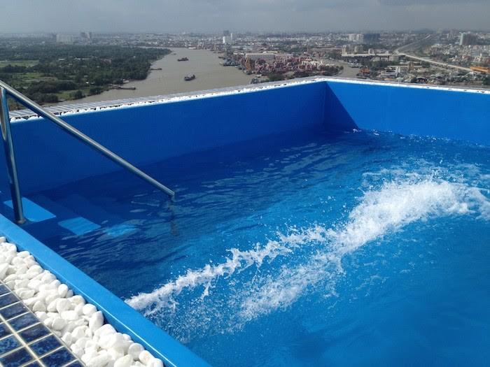 Bể bơi composite khá đơn giản