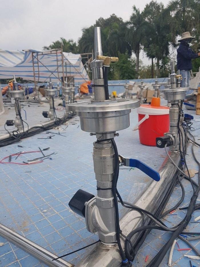 Tiến hành lắp đặt phun nước cho công trình