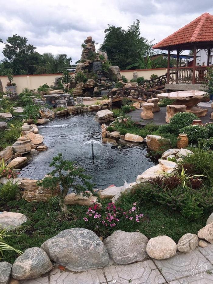 Hồ cá Koi sân vườn cho không gian biệt thự
